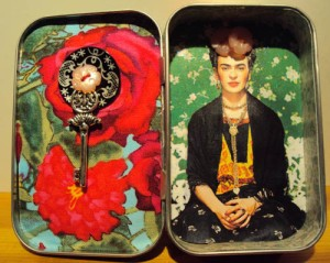 Frida Box Inside
